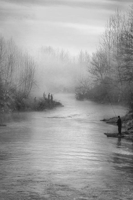 نام: Fisherman In Fog.jpg نمایش: 2965 اندازه: 94.2 کیلو بایت