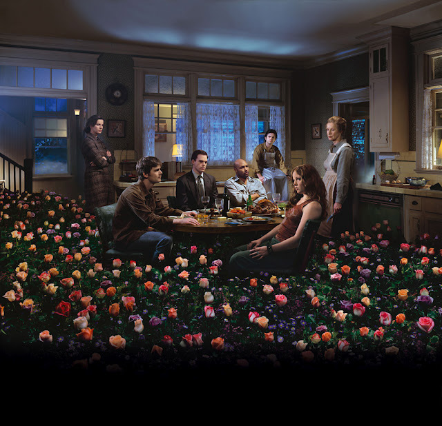 نام: Gregory-Crewdson--Six-Feet-Under-six-feet-under-111589_1024_989.jpg نمایش: 6706 اندازه: 160.8 کیلو بایت