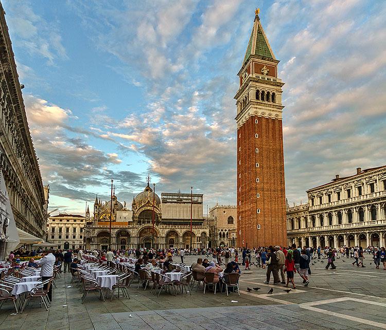 نام: Venice_Panorama02.jpg نمایش: 1080 اندازه: 219.1 کیلو بایت