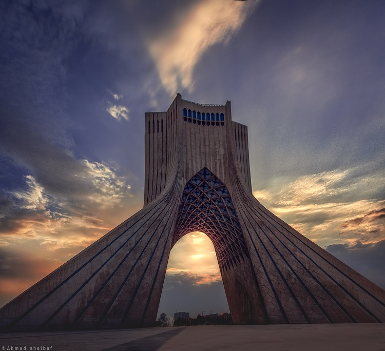 نام: Azadi tower.jpg نمایش: 493 اندازه: 137.4 کیلو بایت